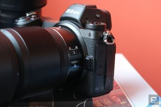 nikon-d7-mirrorless-camera-hands-on-01-1